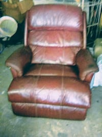 Classic Leather Lazy Boy Summerville