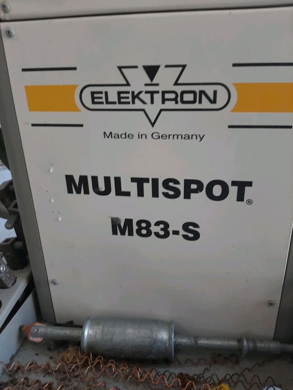 Spot Welder and Dent Pulling Station b200a499-0bc3-4ae2-aa9d-695c2f8a566f