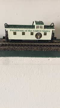 "Micro train Presidential Caboose ""n""scale with offset cupola 790 mi"