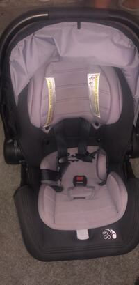 Car seat for newborns like new only used for 1 month Washington, 20024