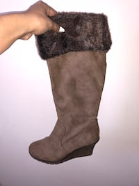 Brown boots with fur Ottawa, K2G 6C3