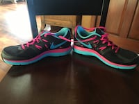 Pair of black-and-pink Nike running shoes Summit, 53066