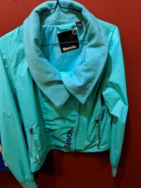teal and black zip-up jacket Québec, G1X 2N4