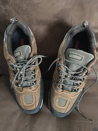 Pair of brown-and-black steel toe work shoes. Size 9.5 Whitby, L1N 4H8