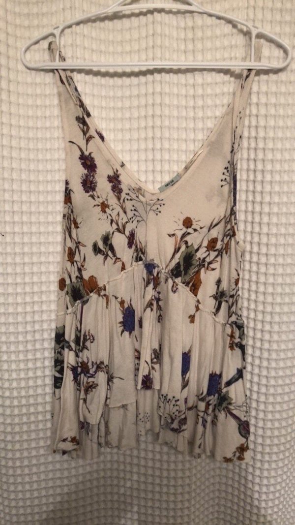URBAN OUTFITTERS ; Floral Tank (size small)