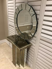 Heavy console and big size mirror both in $ 300
