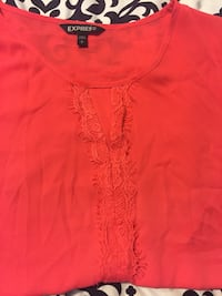 red crew-neck shirt Brentwood, 11717