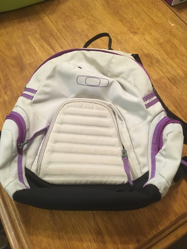 7bcae407530 Used Backpack  2 for sale in Waxahachie - letgo
