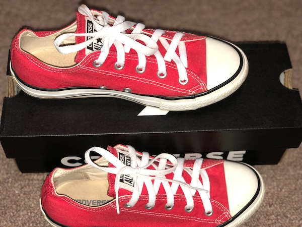 1928a5bd4ccf Used Converse Chuck Taylor All Star Sneakers - Unisex Sizing for sale in  Lexington - letgo