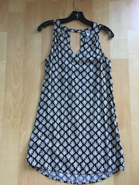 Ladies Old Navy rayon dress, XS - $15 Mississauga, L5L 0B4