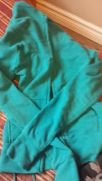 Hollister size XS. The rest are size small.  Belleville, K8N 4Z6
