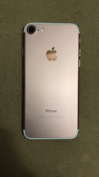 Rose gold iphone 7 32gb not a 7 plus