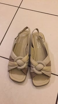 Beige sandals brand new Vaughan, L4K 2L3