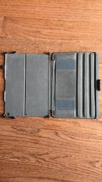 Gray and black leather wallet Chantilly, 20152
