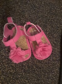 toddler's pair of pink-and-brown sandals Anderson, 96007