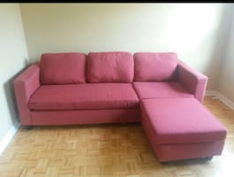 RED SECTIONAL COUCH - GOOD CONDITION- FREE DELIVERED TODAY ONLY