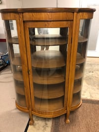 Antique oak china/display cabinet Cookeville, 38506