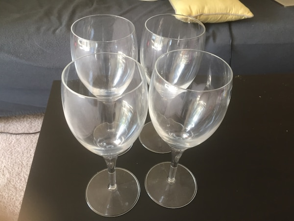 Used Four Clear Short Stem Wine Glasses For Sale In Cupertino Letgo