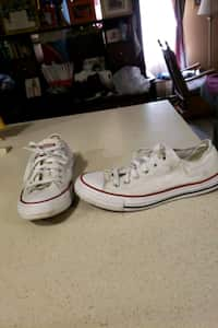 e8fae0686 Used pair of white Vans low-top sneakers with box for sale in 歐文 ...