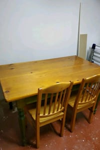 Table and chairs Brampton, L6S 4T6