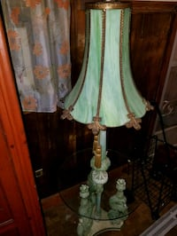 white and green floral table lamp Staten Island, 10308
