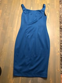 Below the knee low back size 4 dress  Vancouver, V5T 2P9
