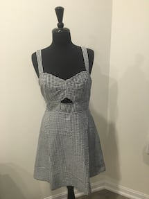 New Cute cut out flared dress! Size L