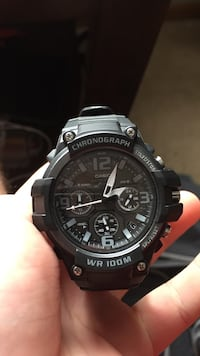 round black chronograph watch with black strap Omaha, 68135