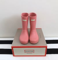 Toddler girls Hunter rain boots size 7 Mississauga, L5M 0H2