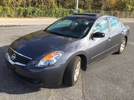 2009 Nissan Altima 2.5 SL- CLEAN