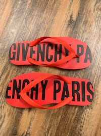 Givenchy Flip Flops Los Angeles, 91367