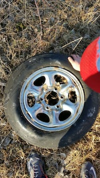 2 Ford Bronco tires