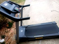 Golds Gym Trainer 420 Treadmill- DELIVERY AVAILABLE  College Park