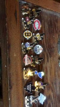 Vintage hockey pins $10 a team (2 pins) Calgary, T2Y