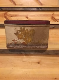 Vintage metal bread box Hedgesville, 25427
