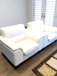 Set of leather sofa and armchairs Toronto, M4N 2B2