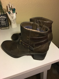 Brown strappy booties size 8