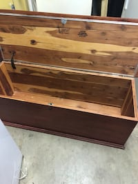 "48"" wide lane trunk Taneytown, 21787"