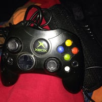 Xbox controllers several more  Toppenish, 98948