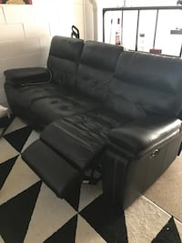 black leather 3-seat recliner sofa Woodbridge, 22191