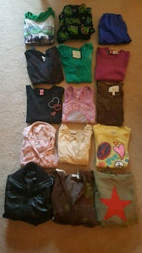 Girls clothing lot, size 10-12. Includes 15 pieces Wadsworth, 60083