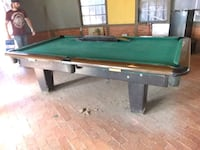 4+9 pool table with accessories