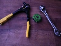 black and green metal tool Sparks, 89431