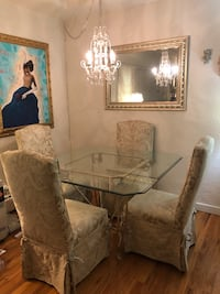Beautiful Glass table and 4 chairs Vancouver, V6M 4A2