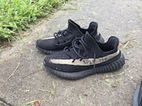 Yezzy350 boost Oreo e.d you can put them to the tes Jacksonville, 32218