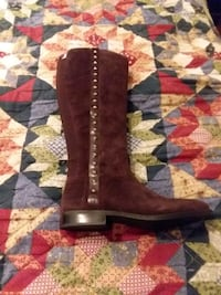 Marc Fisher studded burgundy suede boots! Portsmouth, 23707