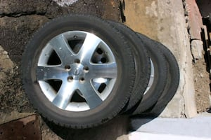 Nissan Quest summer tire.