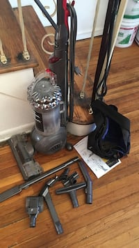 Black and gray upright vacuum cleaner New York, 11365