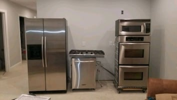 Stainless Steel Kitchenaid Appliance Suite