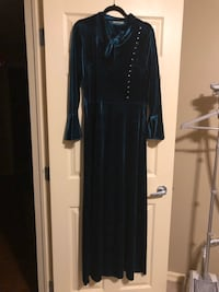 Long sleeve velvet dress Edmonton, T6V 1X2